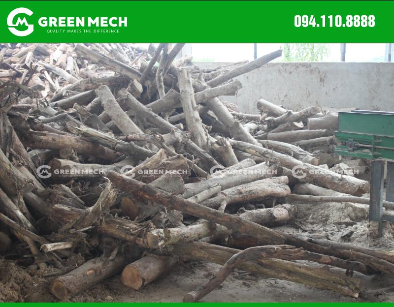 Gỗ sử dụng máy nghiền mùn cưa GM-200SM tại Quảng Ninh